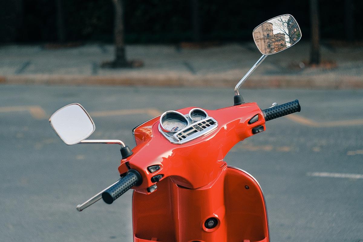 scooter-op-vakantie-travesol